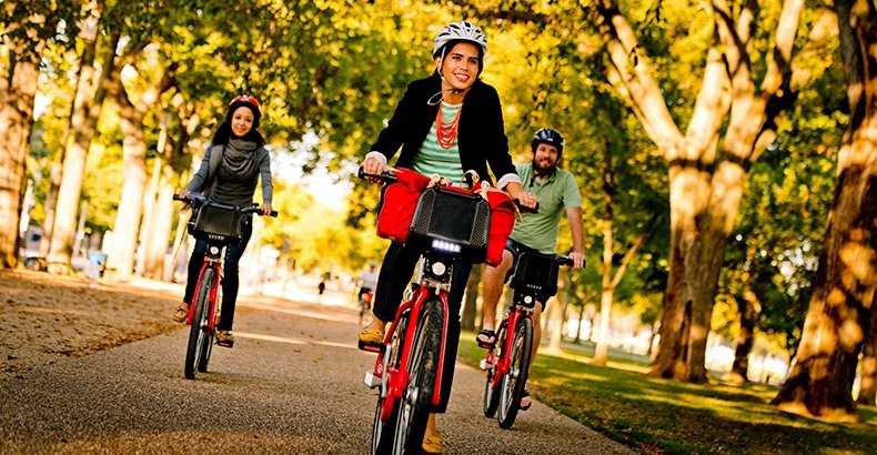 Brush Up on Cycling Etiquette