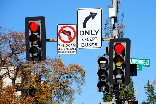 New Traffic Signal System Gives Buses Priority
